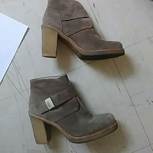 21cc52d1a UGG Shoes | Sale S Gorgeous Heels Suede Leather Classy | Poshmark